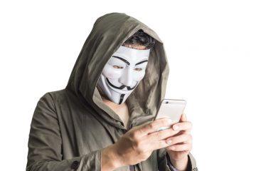 spiare-cellulare-hacker-privacy-intercettazione-smartphone-controllo-360x240